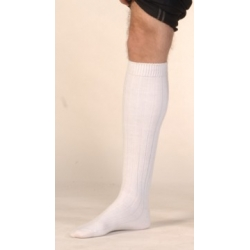 Hautes chaussettes blanches